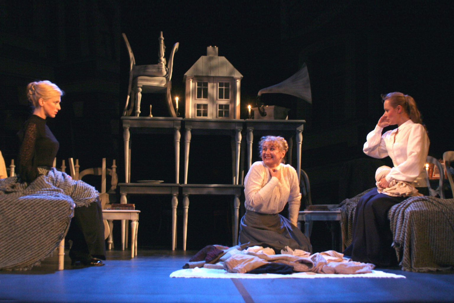 Video clips from Cheek by Jowl's production of Three Sisters